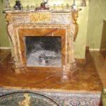Offener Kamin, Verkleidung aus Marmor