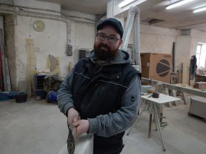 Nico Skupke Steinmetzgeselle 2006, Lehre zum Steinmetz, nach bestandener Prüfung Anstellung als Steinmetzgeselle im Unternehmen.